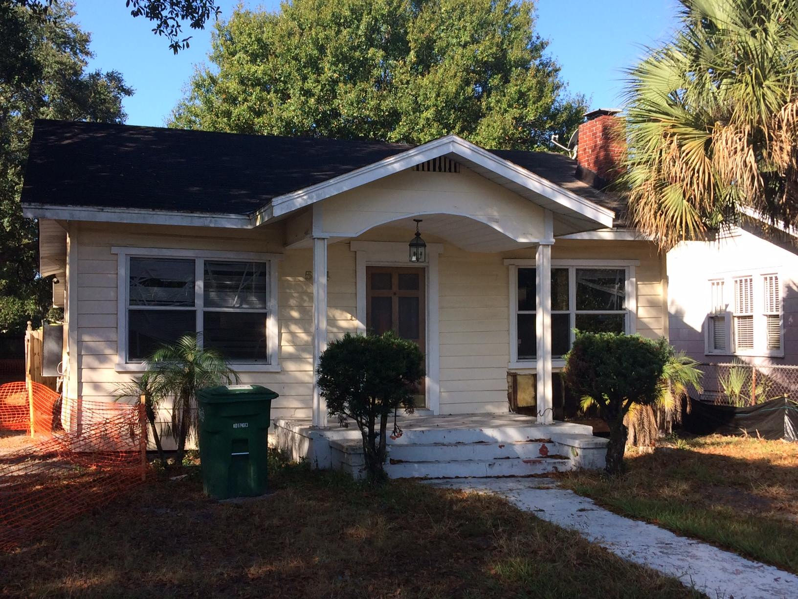 How much are lots selling for in North Hyde Park & West Tampa?